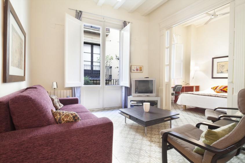 Banys Apartment Monthly Rental In Barcelona For 6 People Barri Gotic Las Ramblas Area
