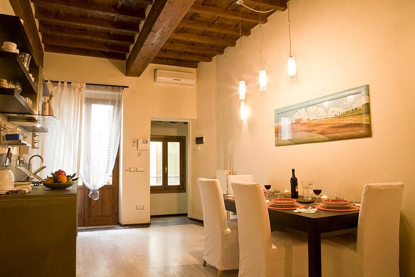 Centro Calzaiuoli Apartment