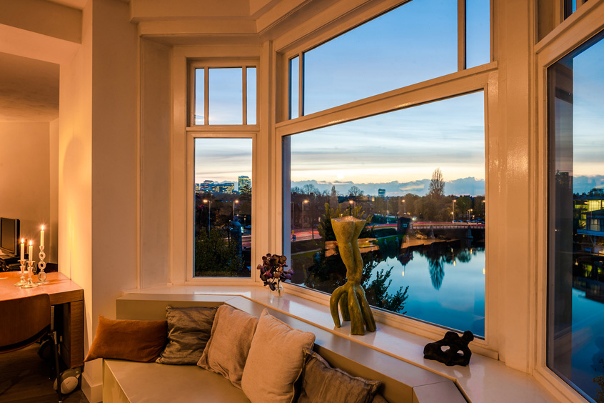 Superb A Luxury Apartment With Unique Views Over 4 Main Amsterdam Canals