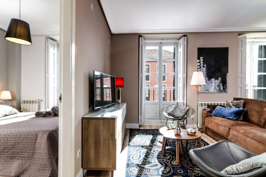 The Ious Living Area Of This Modern Luminous Apartment With 2 Bedrooms In Central Madrid
