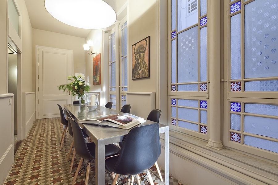 Luxury Rambla Catalunya A Apartment   Monthly Apartment Rental In Barcelona  For 8 People In Eixample Area