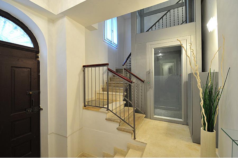 Elegant Rialto Project 3 Apartment