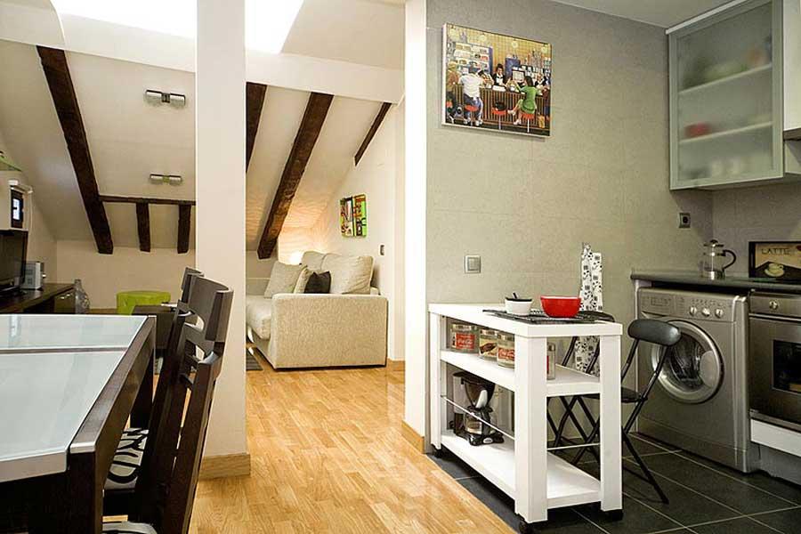Apartamento attic madrid apartamento en madrid para 4 for Cocina salon comedor