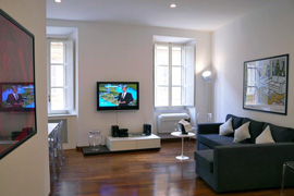 lovely Rome apartment located in the very heart of the city
