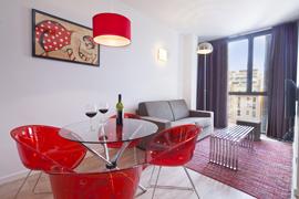 GIR80 Standard Suite 1 apartment