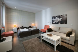 Gran Via 1B Apartment