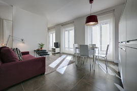 Modern one bedroom apartment with stylish decoration located in city centre of Madrid with 3 balconies.