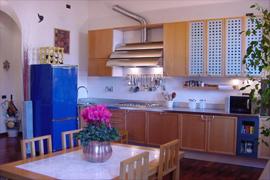 Regina Margherita Bright apartment