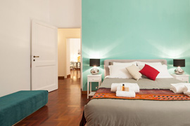 Pantheon Spanish Steps apartment