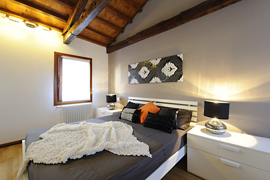 Modern and renovated apartment in Venice historical centre