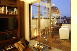 Florence apartment located on historical Piazza della Repubblica