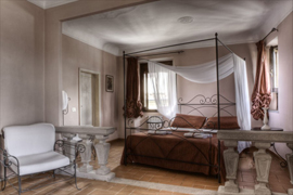 romantic apartment Florence in Piazza Santa Croce