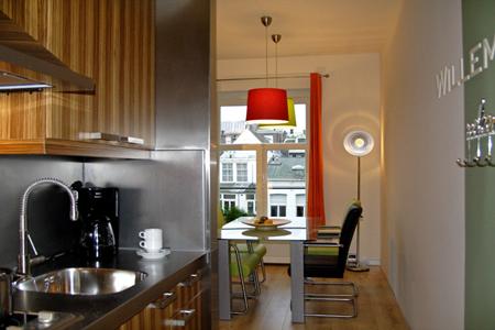 emperor2 amsterdam kitchen b Habitat apartments the best location in Amsterdam