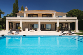 Impressive villa and pool in Villa Marbella