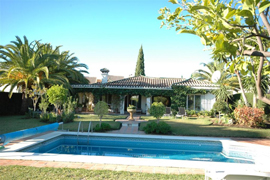 green gardens and big pool in Marbella Villa
