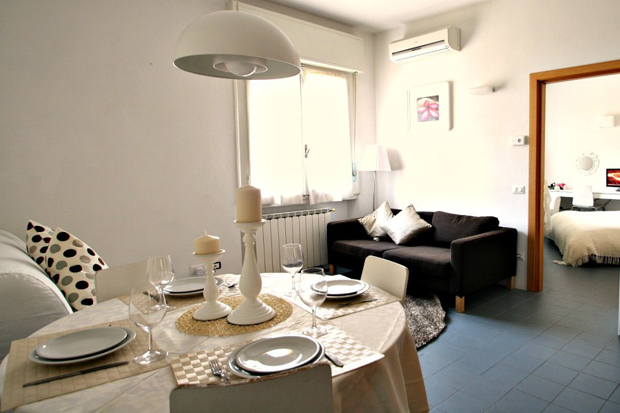 pitti apartment florence dining a b Pitti apartment in Florence