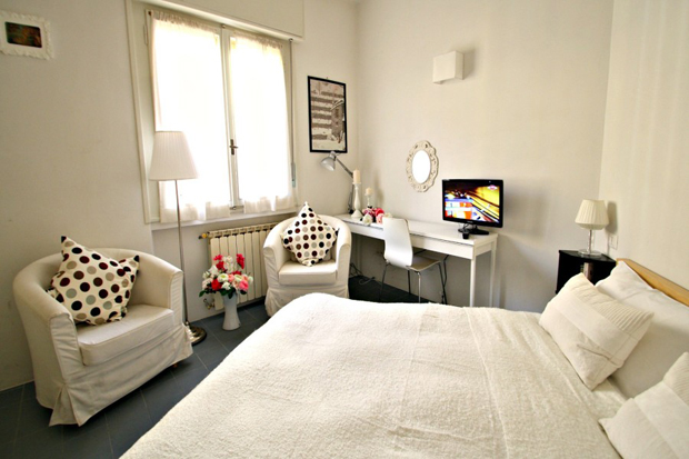 pitti apartment florence double bedroom a b Pitti apartment in Florence