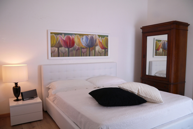 spagna apartment rome bed a b Spagna apartment in Rome