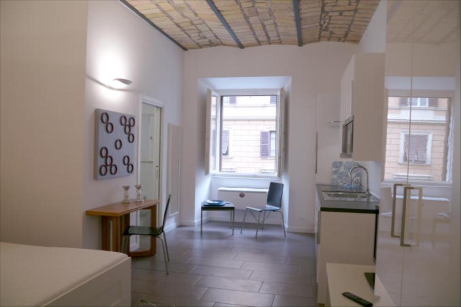 Vaticano studio apartment apartment in rome for 2 people for Studio apartments in rome