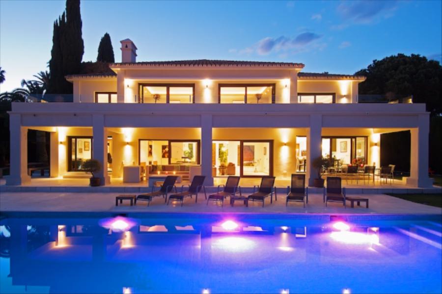Villa blue apartment apartment in marbella for 10 people - Piscine maison nuit limoges ...